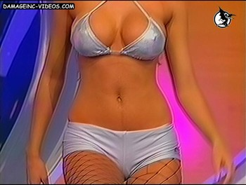 Argentina model Valeria De Genaro hot body damageinc-videos